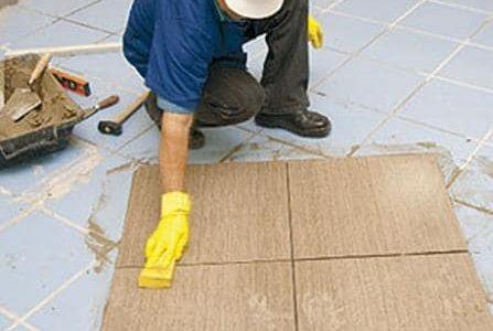 Aplicação de mosaico sobre pavimento existente.