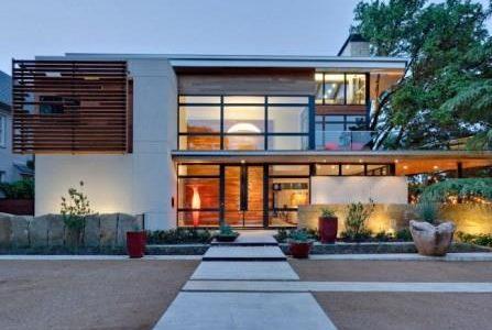 Construção de moradia com cobertura plana.