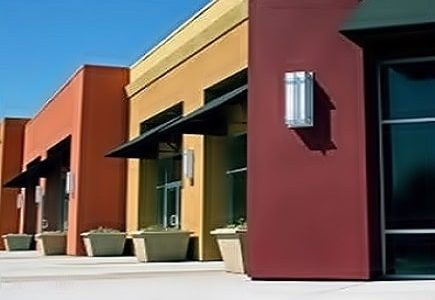 Pintura de fachada de estabelecimentos comerciais.