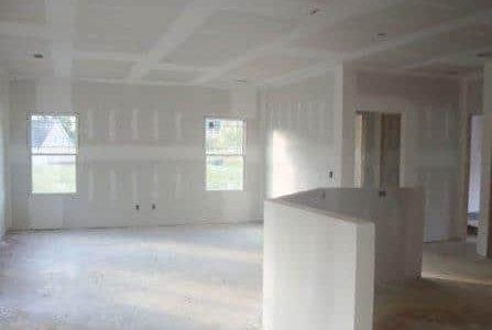 Aplicação de pladur em teto e paredes.