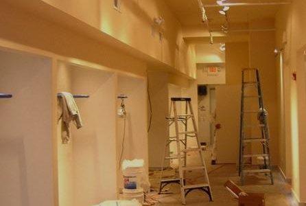 Remodelação completa de loja em centro comercial.