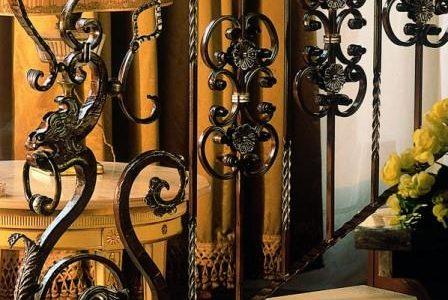 Guarda de escada em serralharia com estilo oriental.