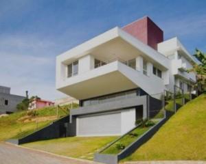 Construção de casa de luxo moderna