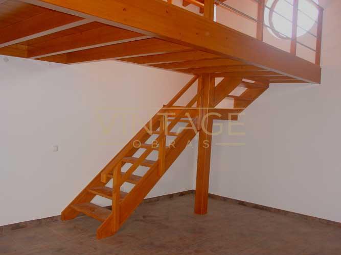 Construção de moradia: construção de mezzanine