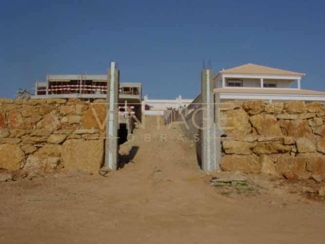 Construção de moradia: Portão de entrada