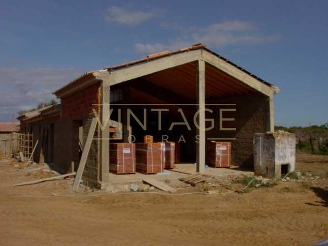 Construções de moradia: alvenarias e cobertura