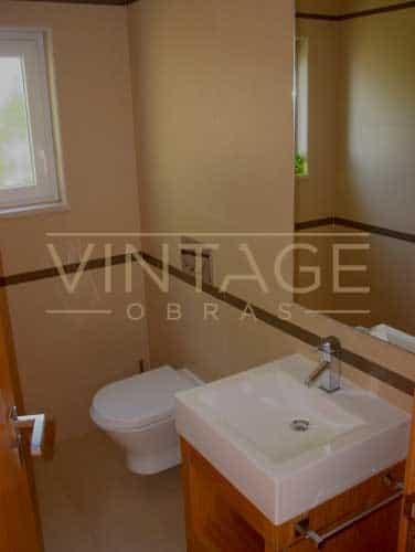 Remodelações de casas de banho: Revestimentos e loiças