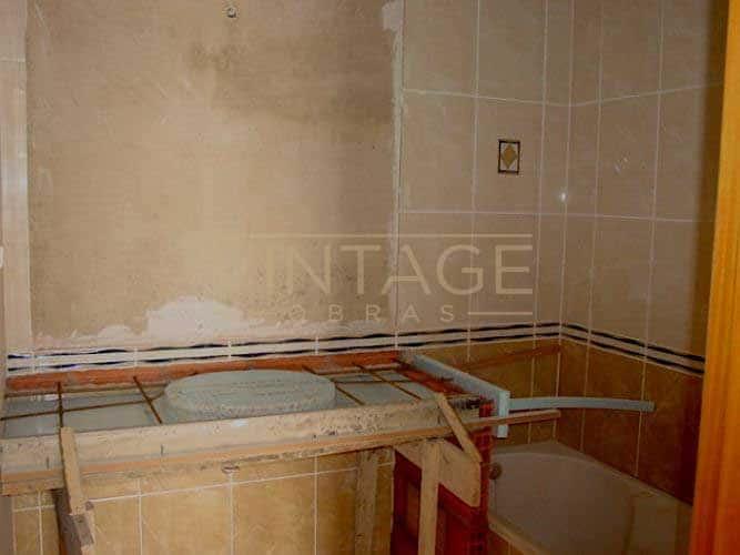 Remodelações de casas de banho: Lavatórios executados in situ