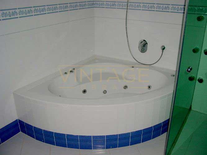 Remodelação de casa de banho: banheira de hidromassagem.