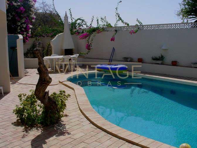 Construção de moradia com piscina