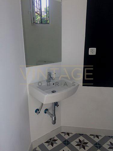 Pequena casa de banho remodelada